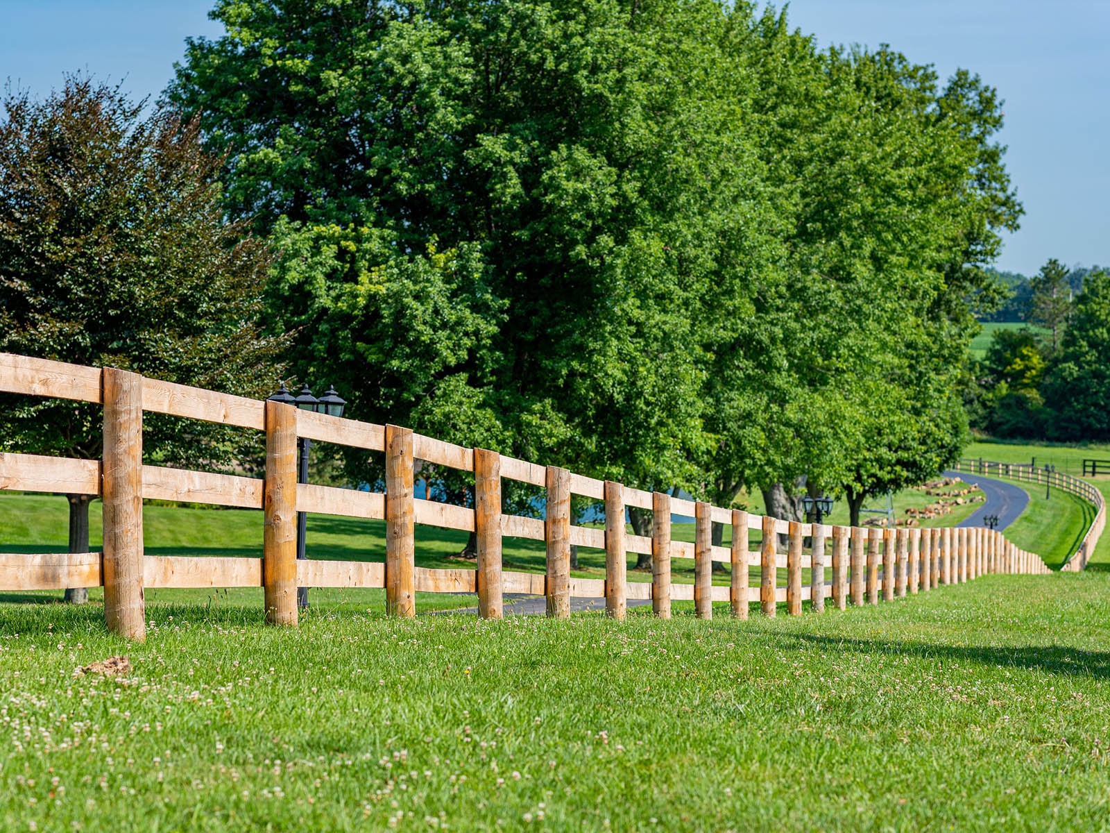 In-Line Fence - Blog Fencing Contractor