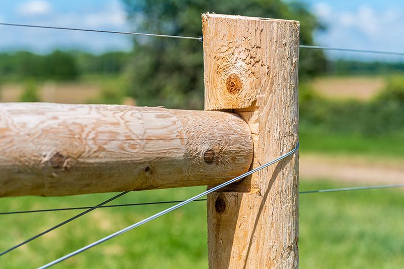Farm Fencing in Cambridge, Ontario - In-Line Fence - Mobile