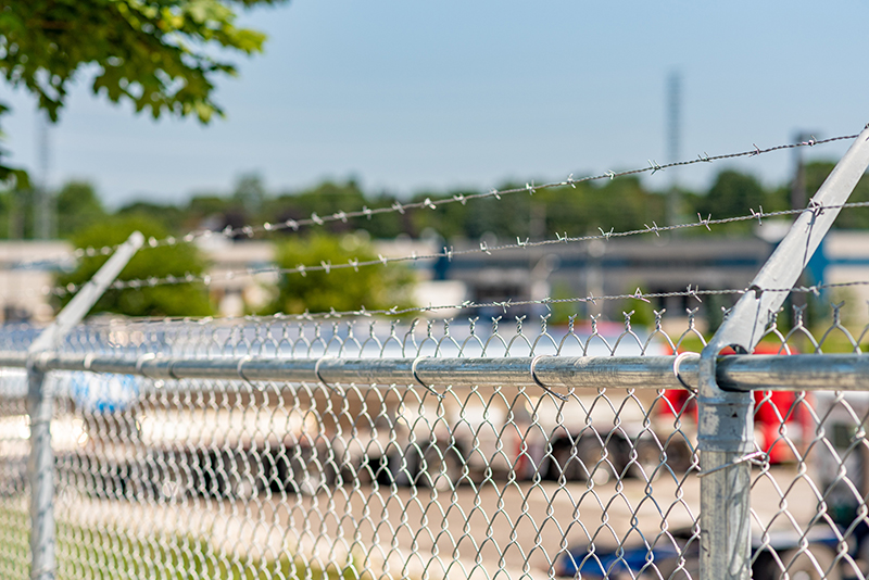 Fence By-Laws in Brantford, Ontario - In-Line Fence - Mobile