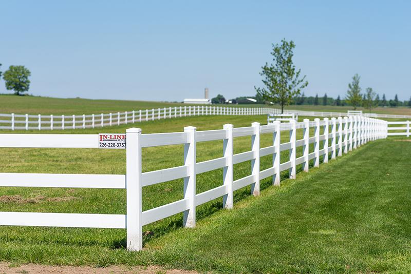 Vinyl Fencing in Cambridge, Ontario - In-Line Fence - Mobile