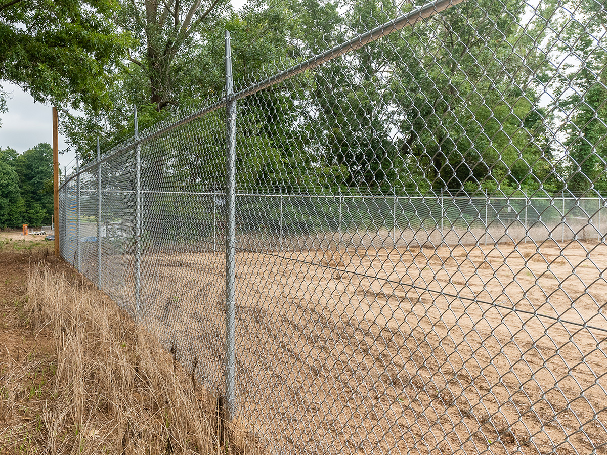 Galvanized Chain Link Fencing - In-Line Fence - 01