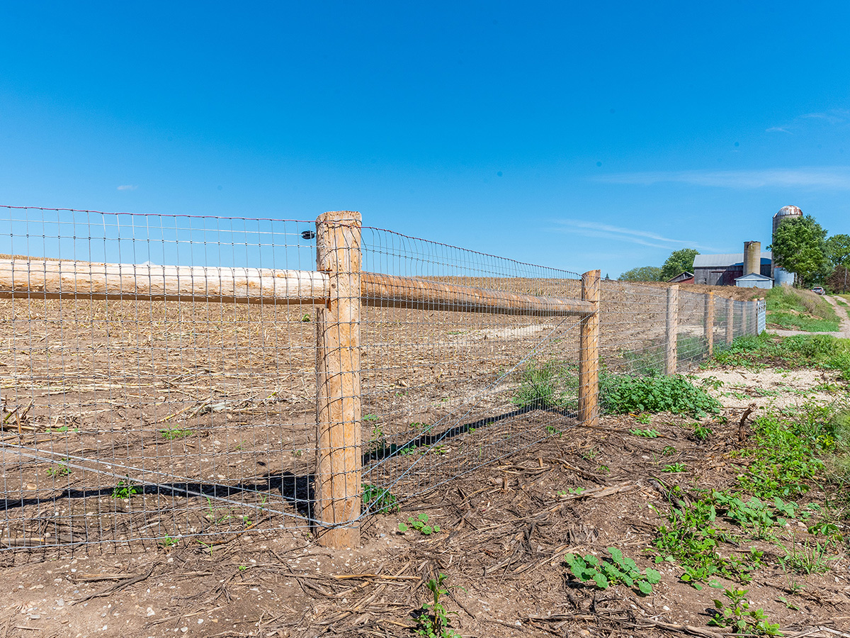 Woven Wire Fence - In-Line Fence - 01